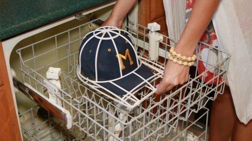 Как стирать бейсболку в посудомоечной машине