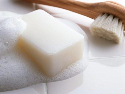 Белое мыло