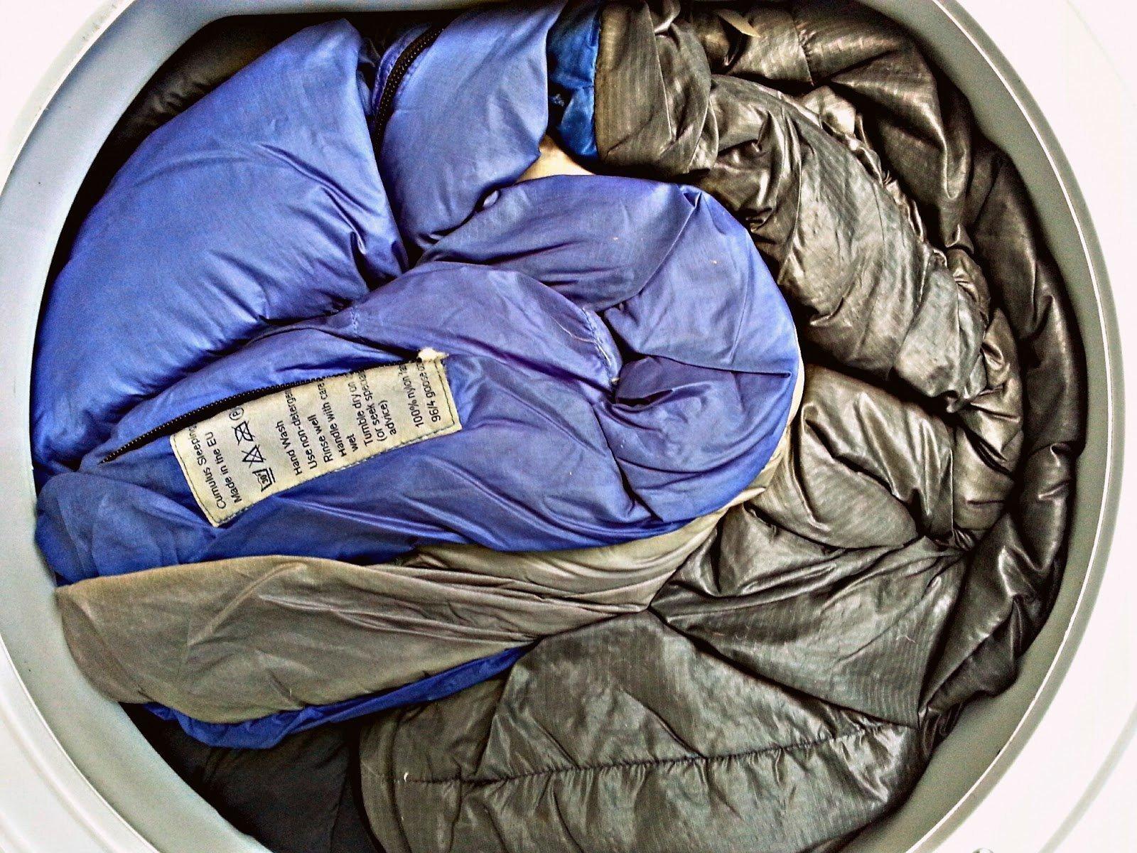 Как постирать спальный мешок