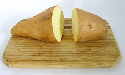 Порезанная пополам картошка
