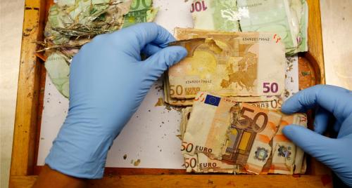 Постиранные евро