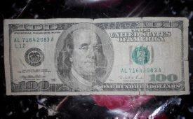 Постиранные доллары и евро можно спасти