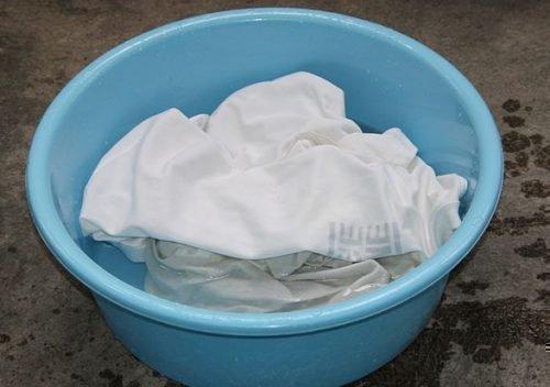 Ручная стирка белой одежды