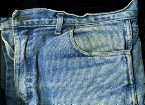 Жирные пятна на джинсах