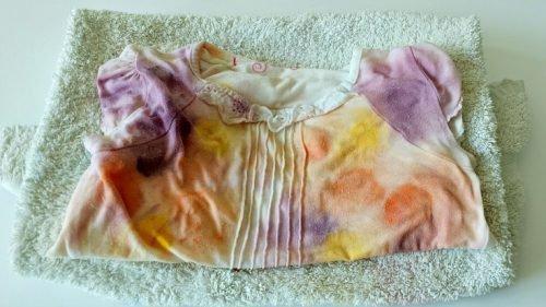 Одежда в пятнах краски