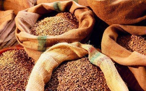 Зерно в мешках