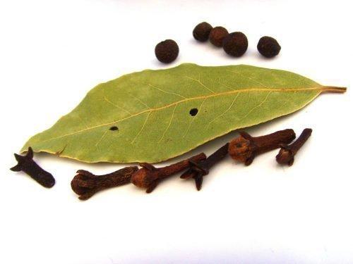 Лавровый лист и гвоздика