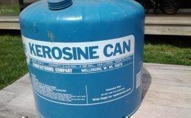 Керосин как средство от клопов