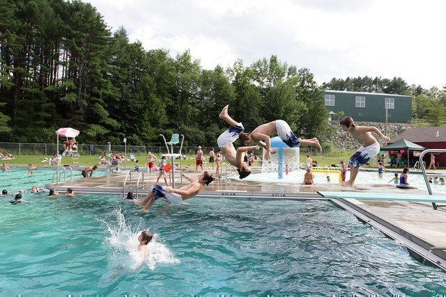 Публичный бассейн