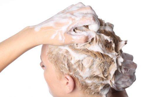 Мыть голову от вшей