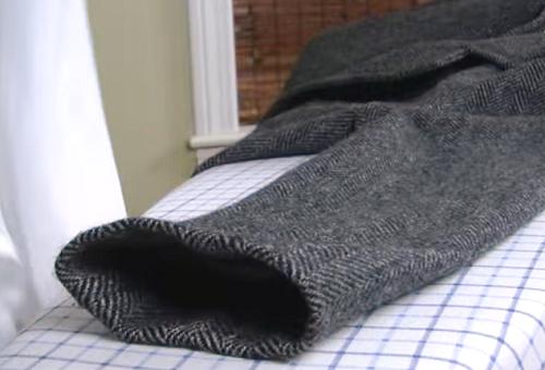 Как гладить пальто