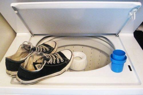 Как стирать белые конверсы в стиральной машине