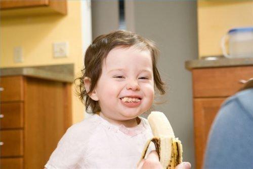 Как отстирать банан с детской одежды: чем и как вывести пятна
