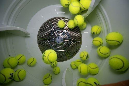 Стирка пуховика с теннисными мячиками