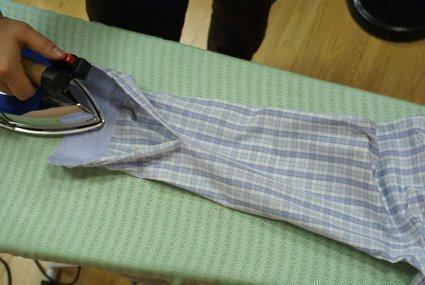 Глажка рукавов рубашки