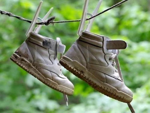 Как сушить обувь после стирки