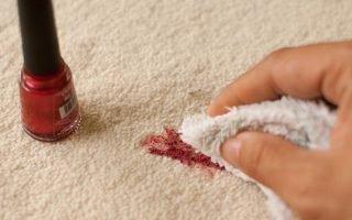 Эффективные и доступные методы отстирывания лака для ногтей с одежды