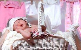 Чем и как правильно стирать детские вещи для новорожденных