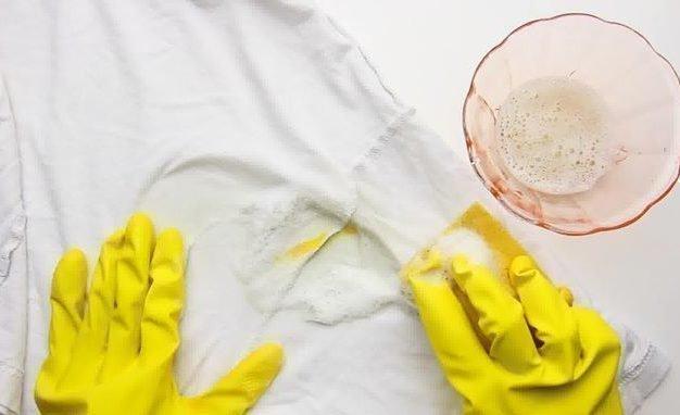 Как вывести чернила с одежды в домашних условиях