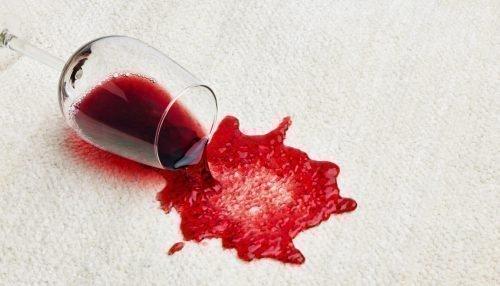 Пятно от красного вина