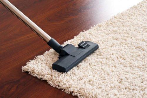 Пылесосить ковры