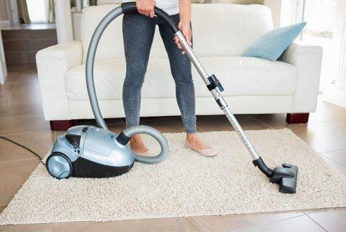 Пылесосить дом