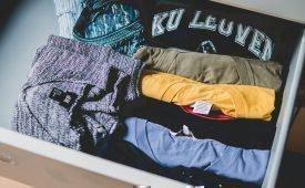 Учимся аккуратно складывать и хранить футболки